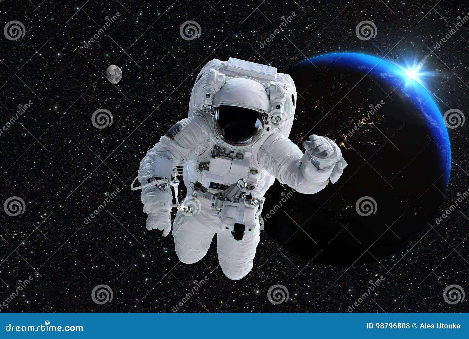 Luna de la tierra del planeta de la gente del espacio exterior del astronauta del astronauta Beautif