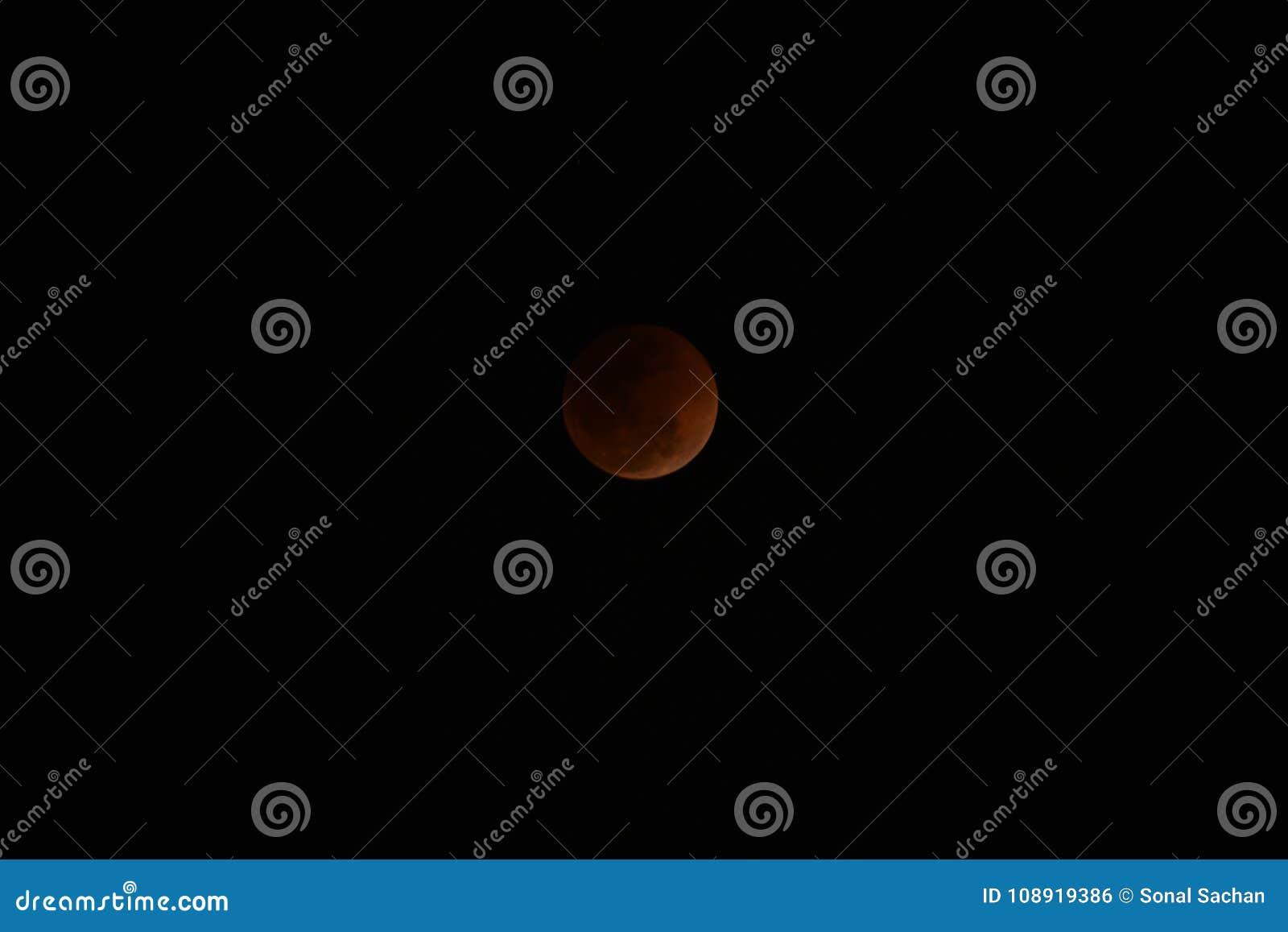 Luna estupenda de la sangre azul y eclipse lunar