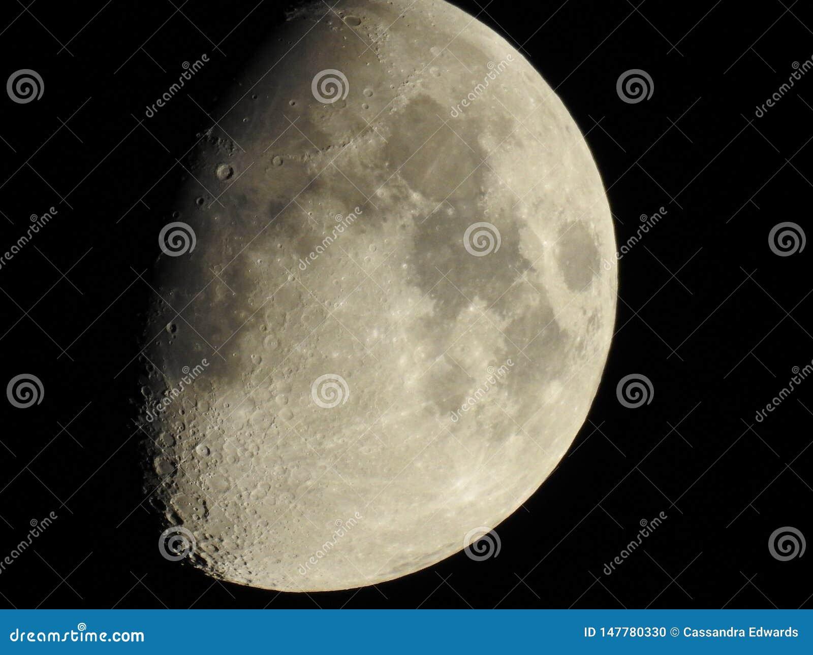 Luna sobre Colorado Springs