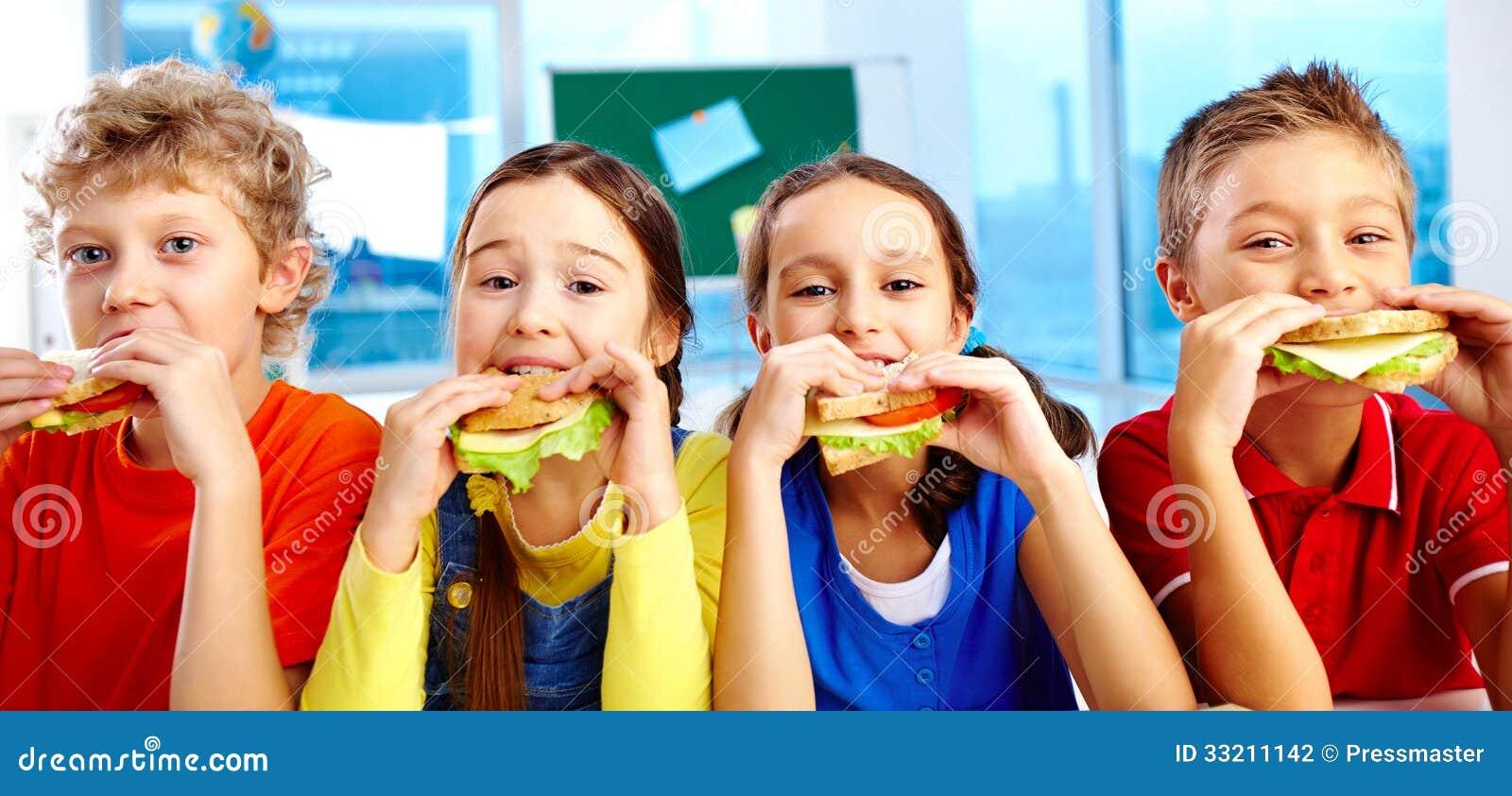 Lunch in school