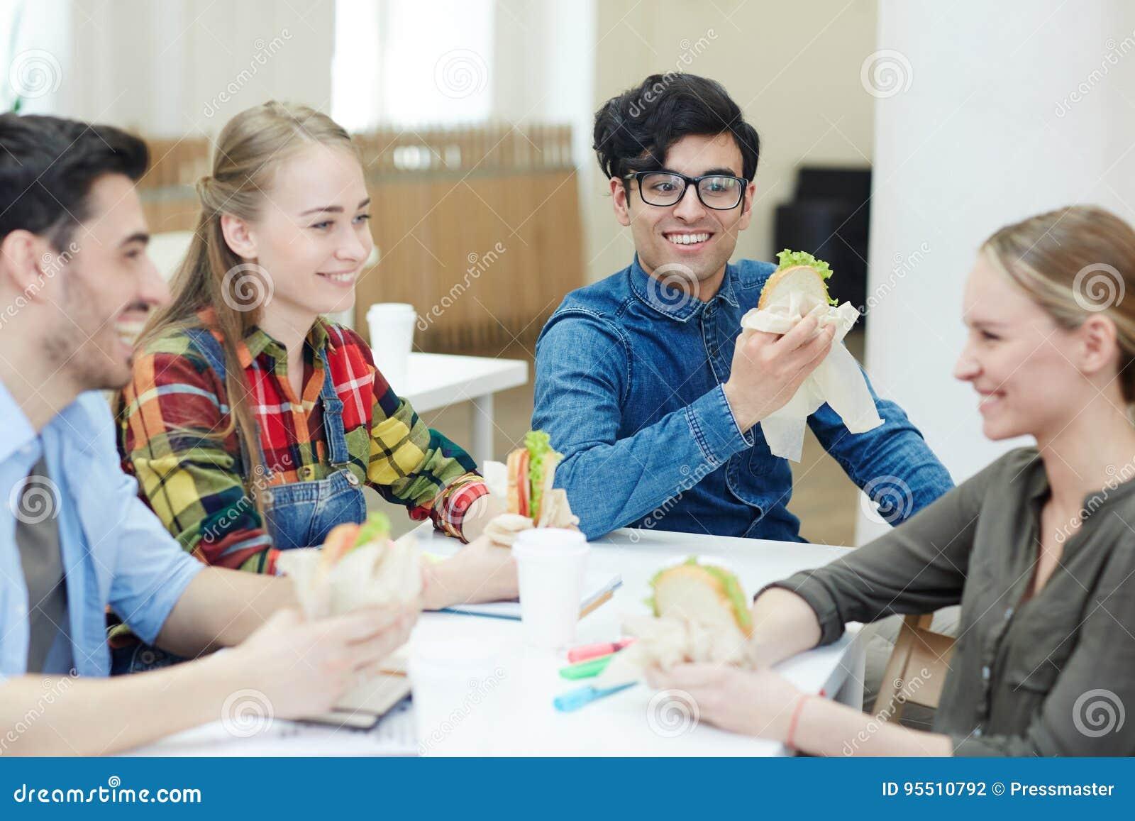 Lunch in universiteit