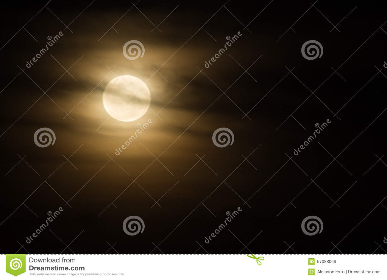 Lune mystérieuse