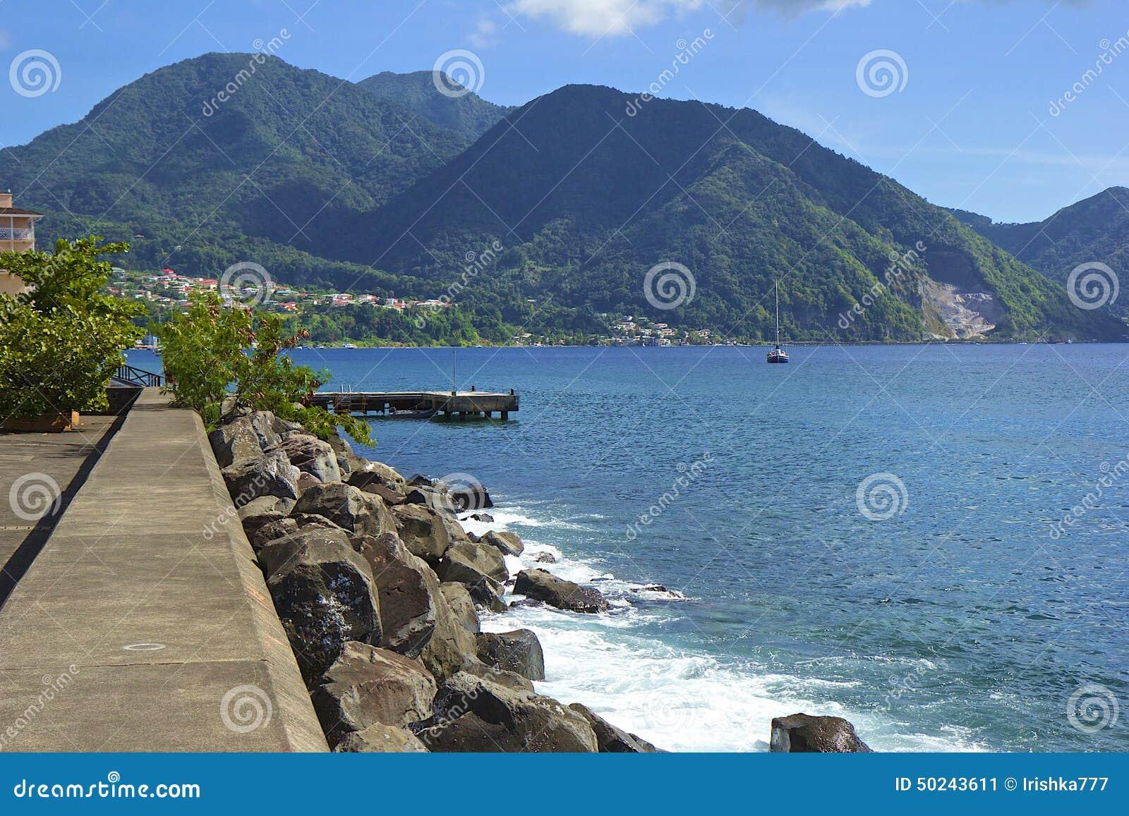 Lungomare di Roseau in Dominica, caraibica
