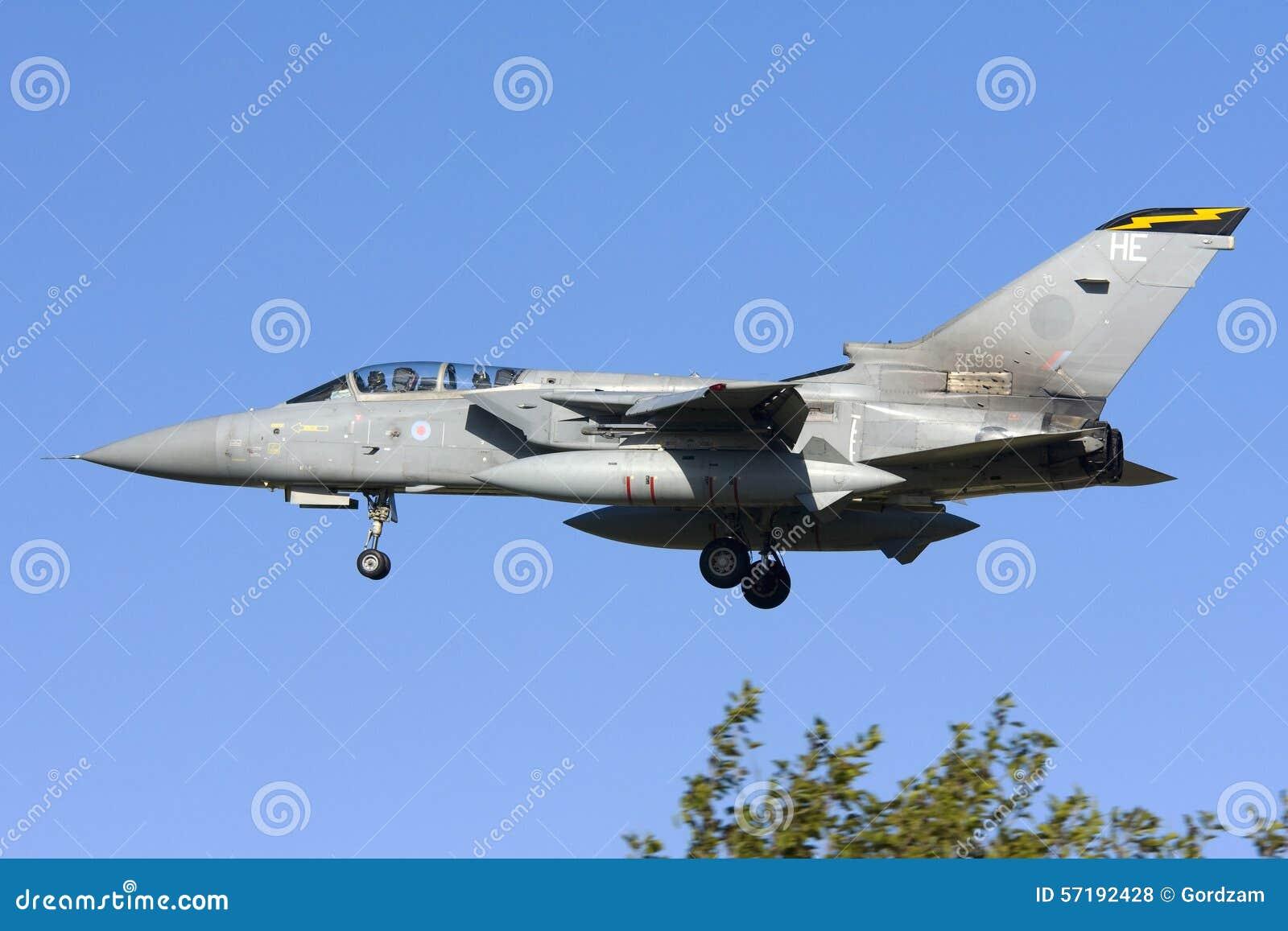 Luqa, Malta 7 2008 Listopad: RAF tornada lądowanie