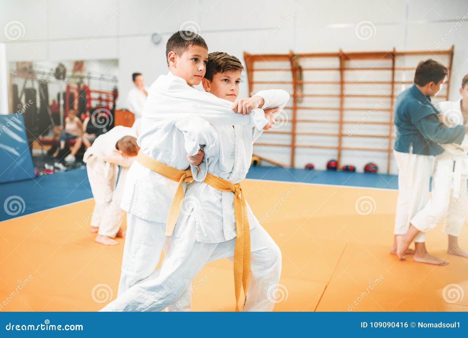 Lura judon, barns utbildningskampsport i korridor