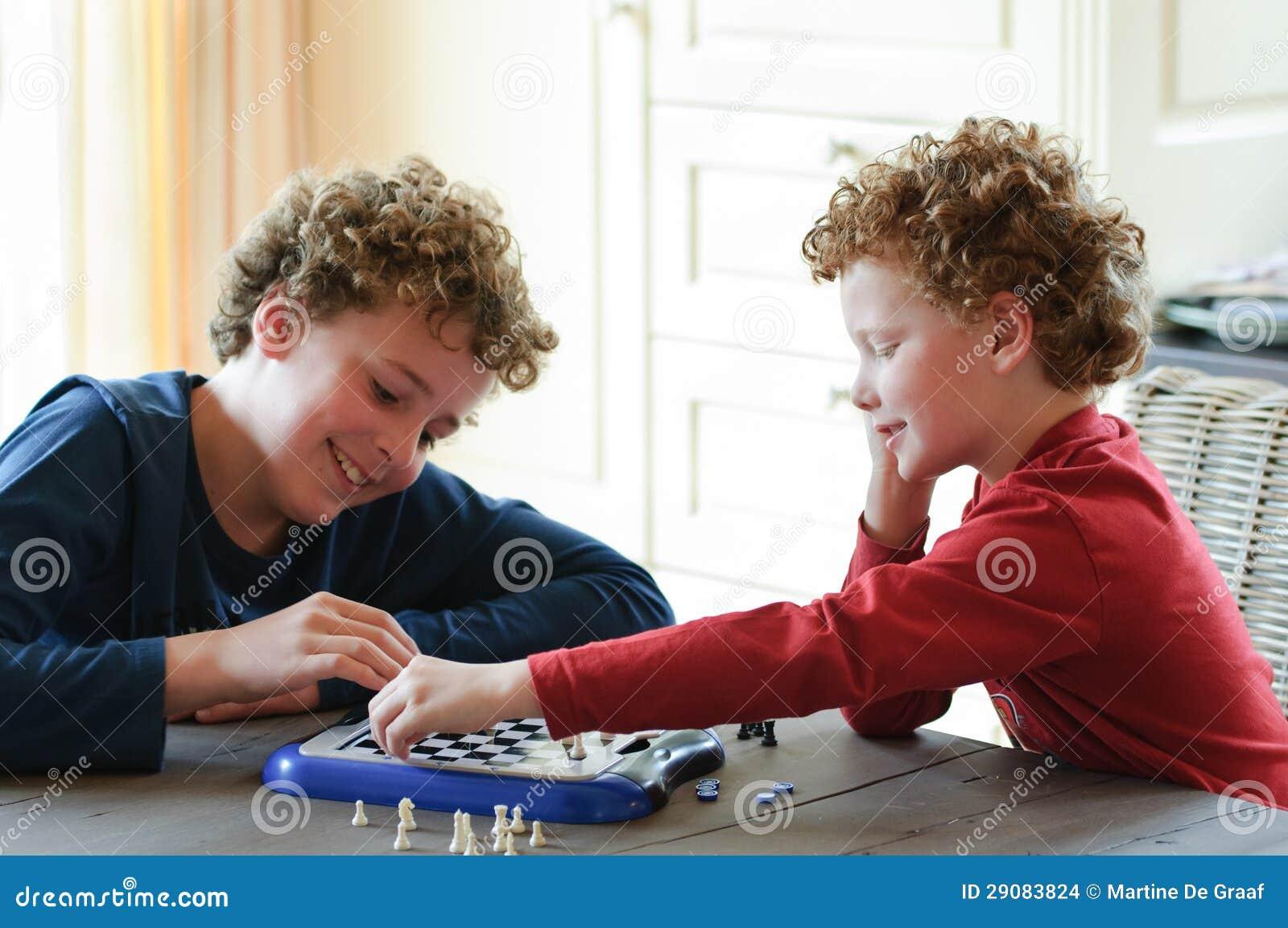 Lurar leka schack