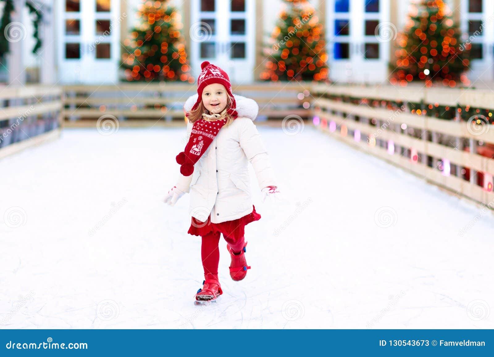 Lurar skridskoåkning i vinter Isskridskor för barn