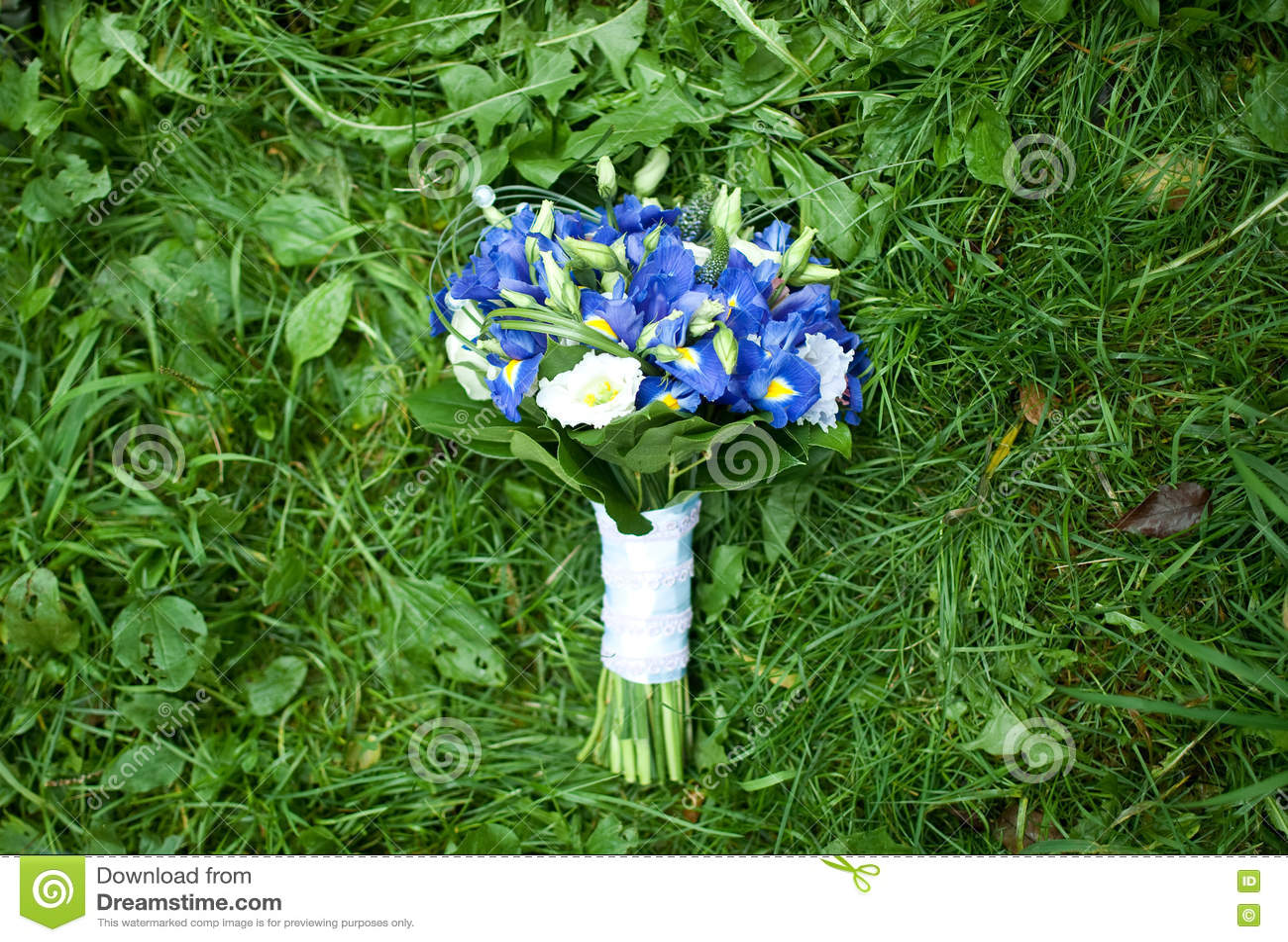 Lush blue wedding bouquet