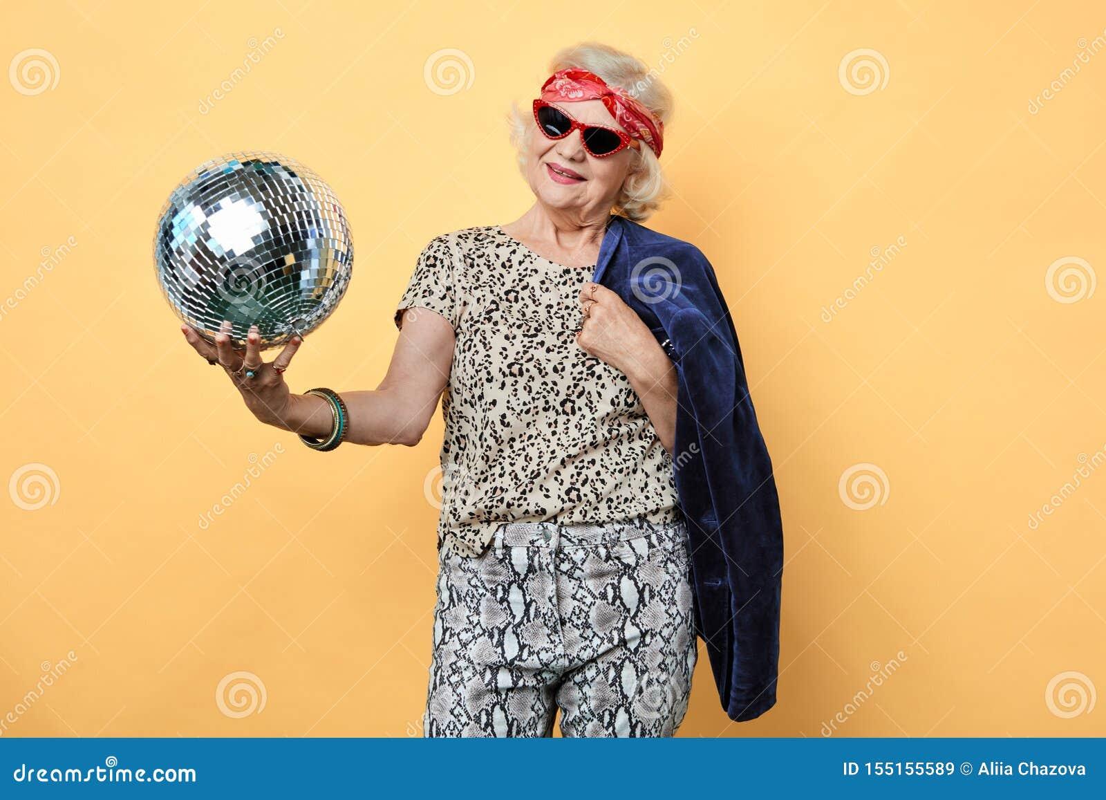 Alte Frau Lustig