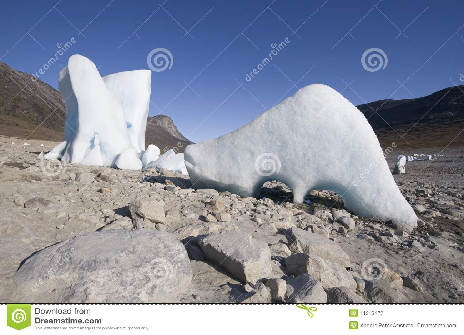 Lustige geformte Eisberge