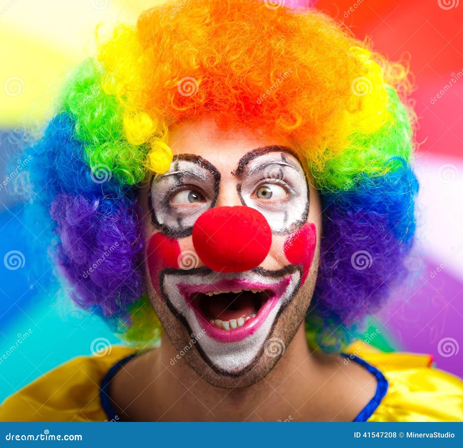lustiger clown gegen bunten hintergrund stockfoto bild 41547208. Black Bedroom Furniture Sets. Home Design Ideas
