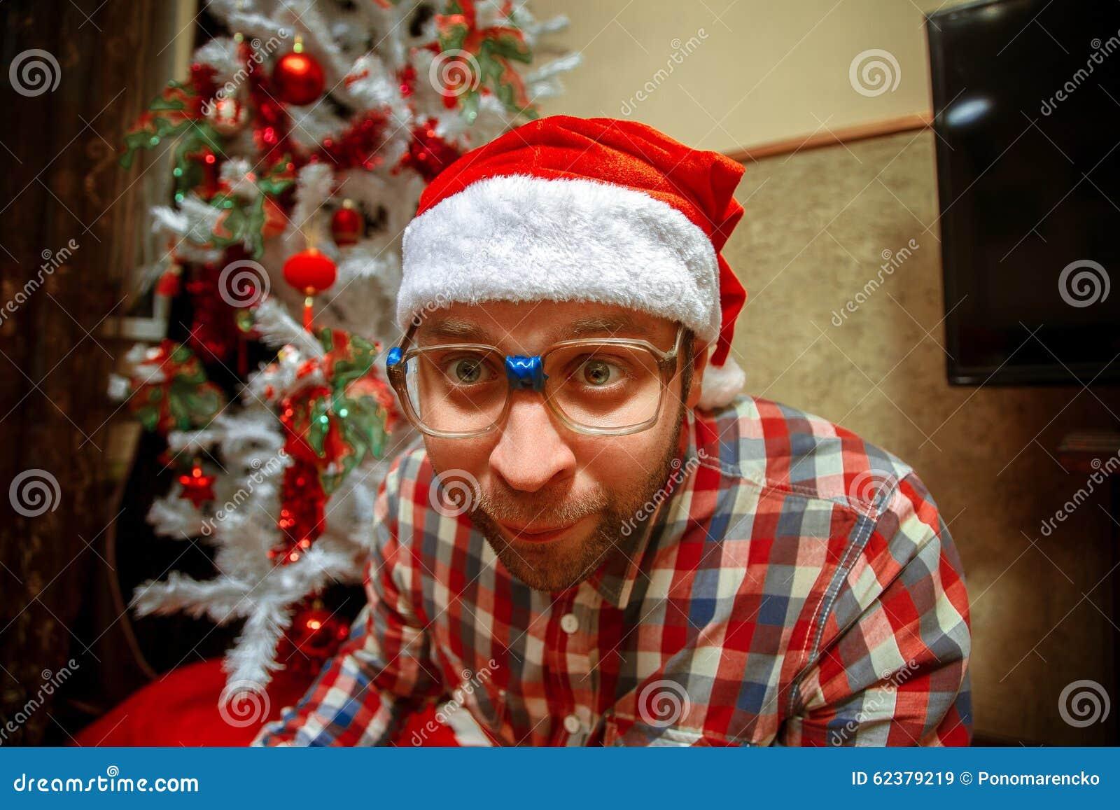 Lustiger Hippie In Stana-Hut Feiern Weihnachten Stockbild - Bild von ...