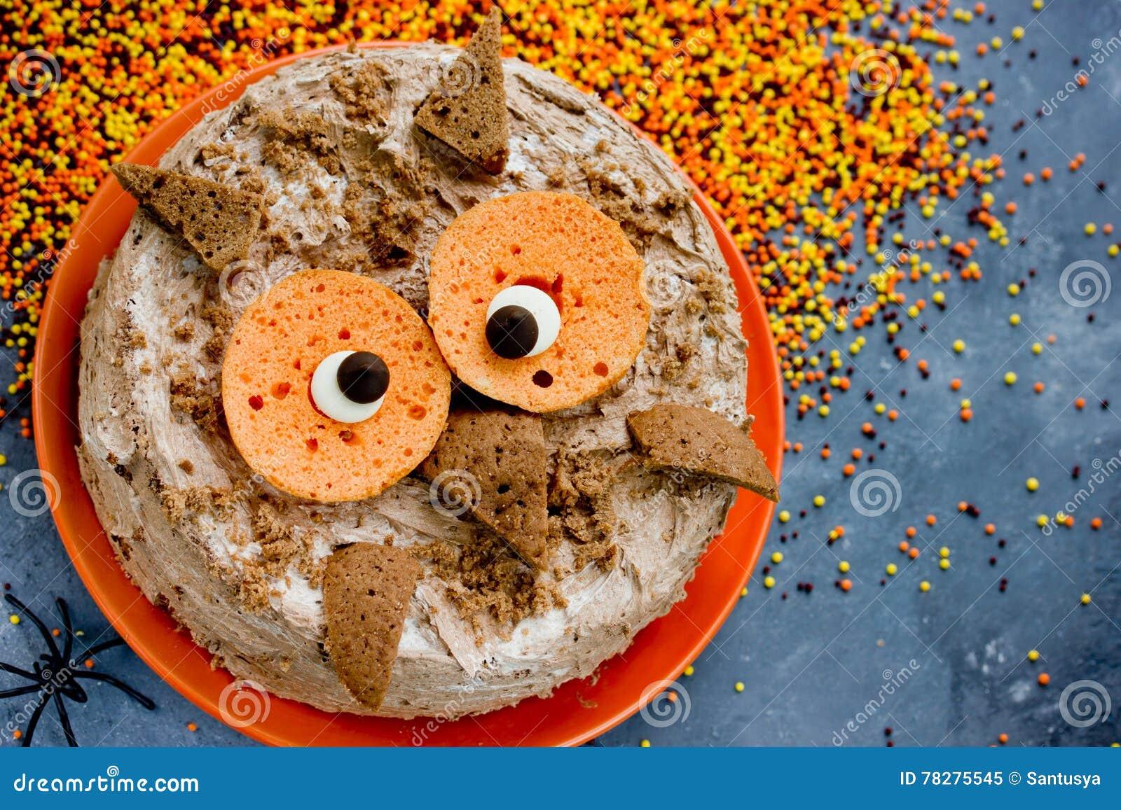 Lustiger Kuchen Fur Halloween Partei Tier Formiger Eulenkuchen