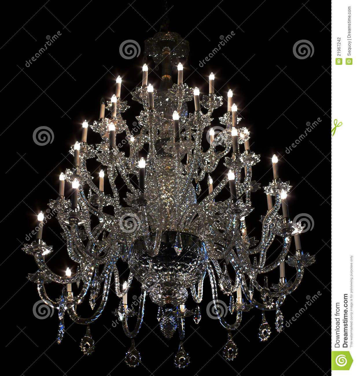 lustre baroque brillant sur le noir photographie stock. Black Bedroom Furniture Sets. Home Design Ideas
