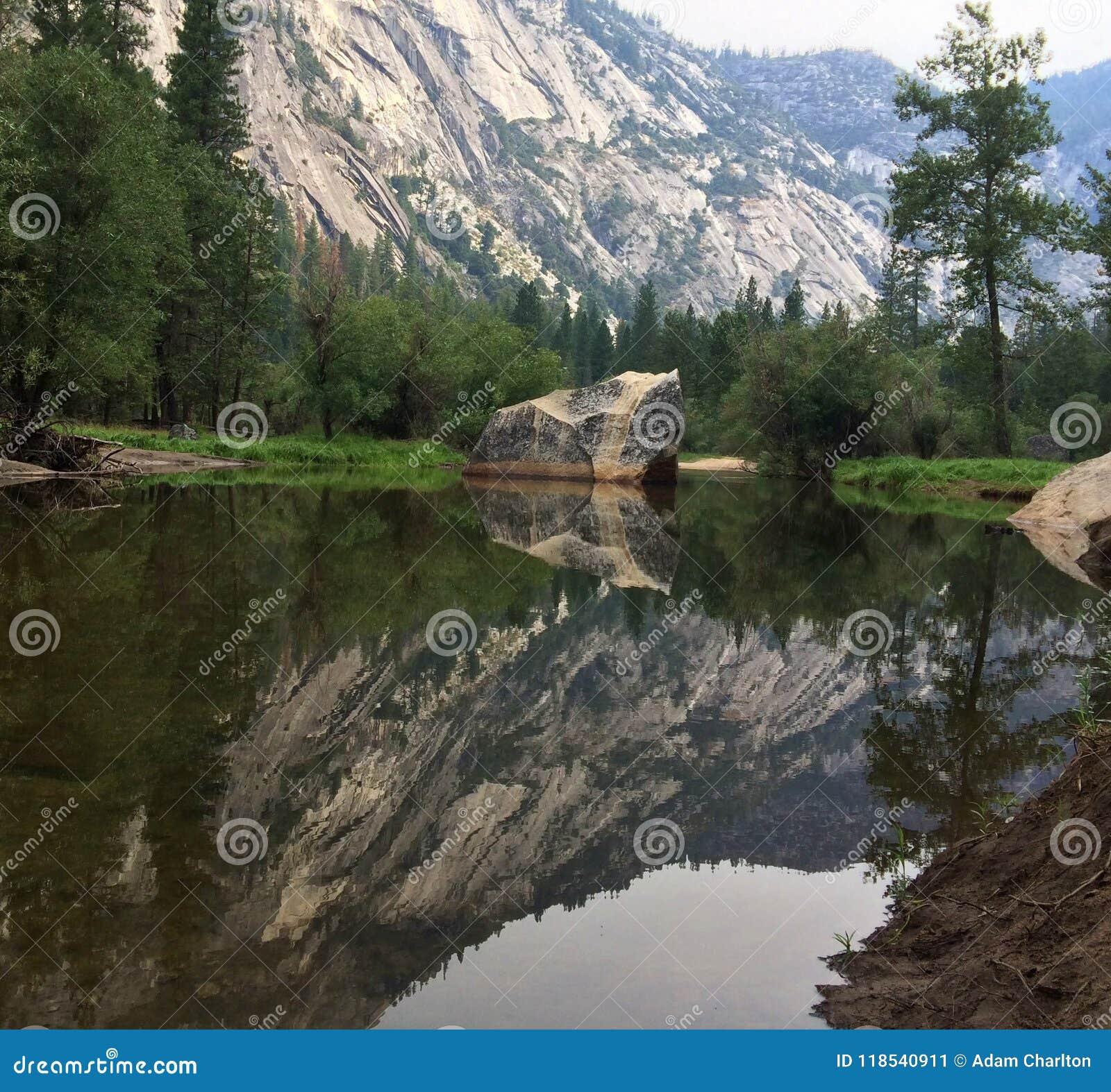 Lustrzany Jeziorny Yosemite park narodowy