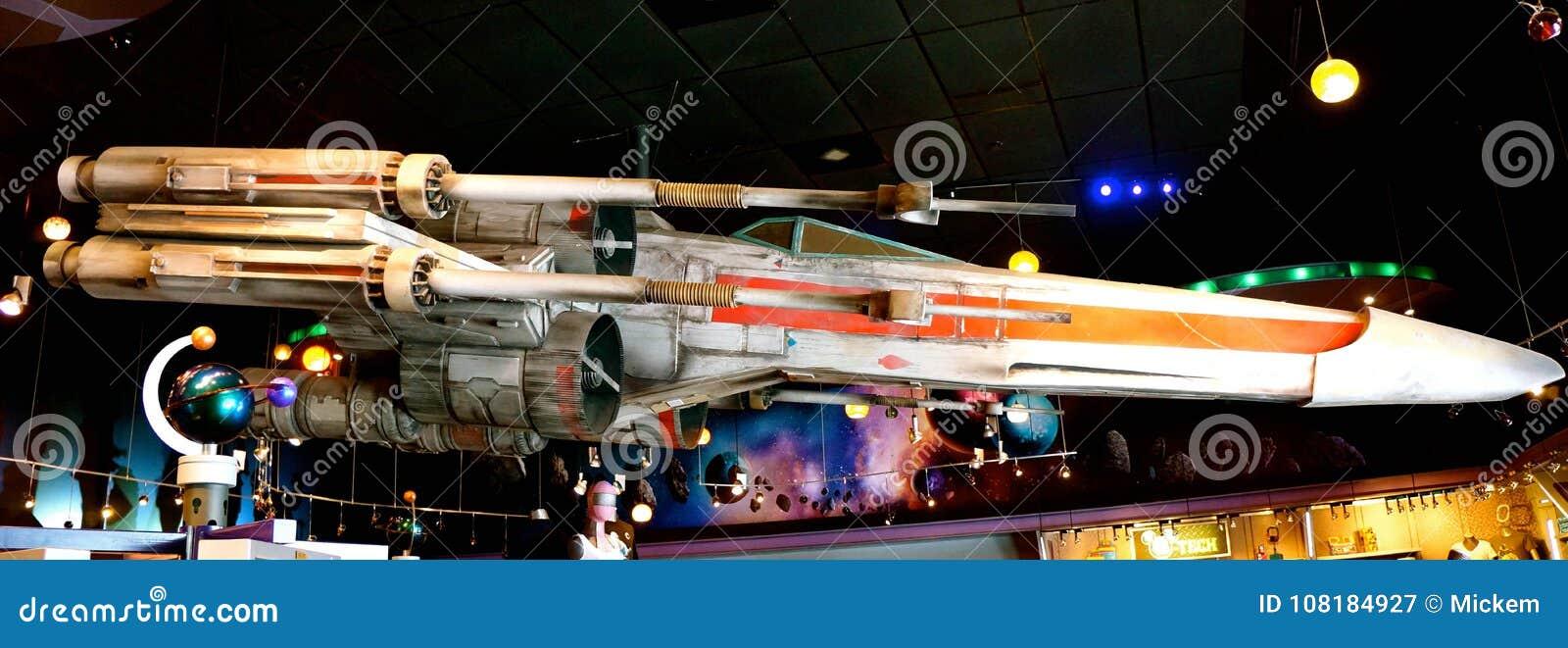 Lutador Jet Disneyland da estrela de Star Wars