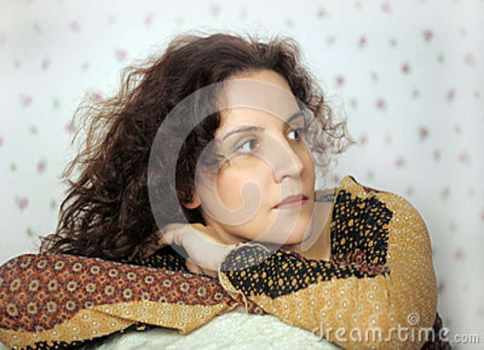 Lutande kvinna för stol