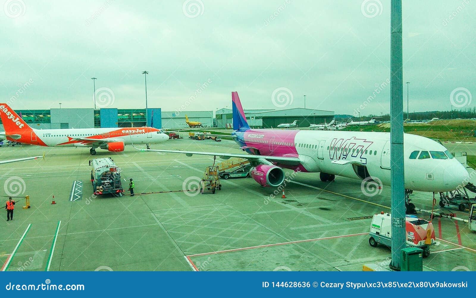 Luton, Zjednoczone Królestwo widok na Wizzair bagażu abordażu - 03/20/2019 -