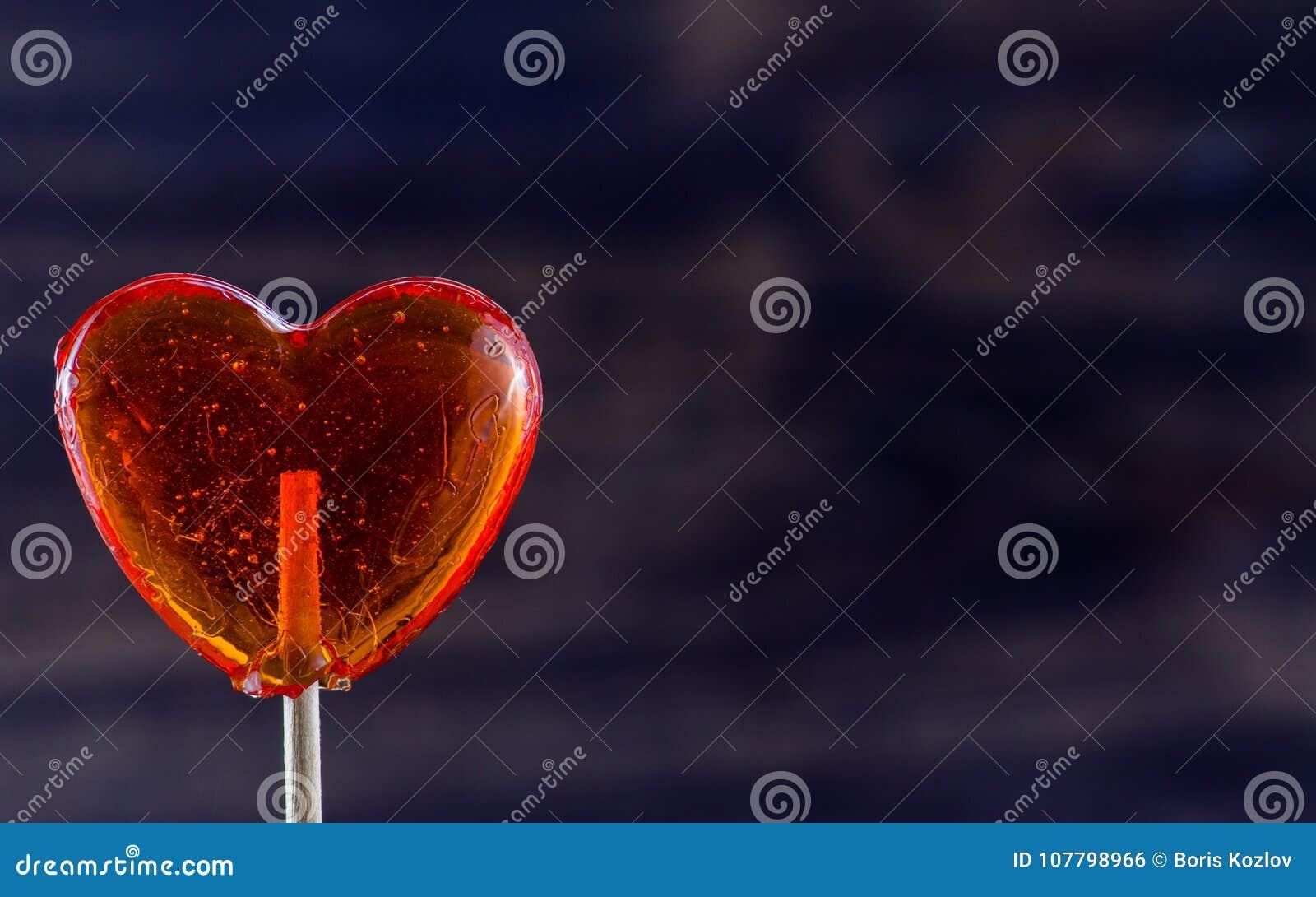 Lutscher in Form des Herzens