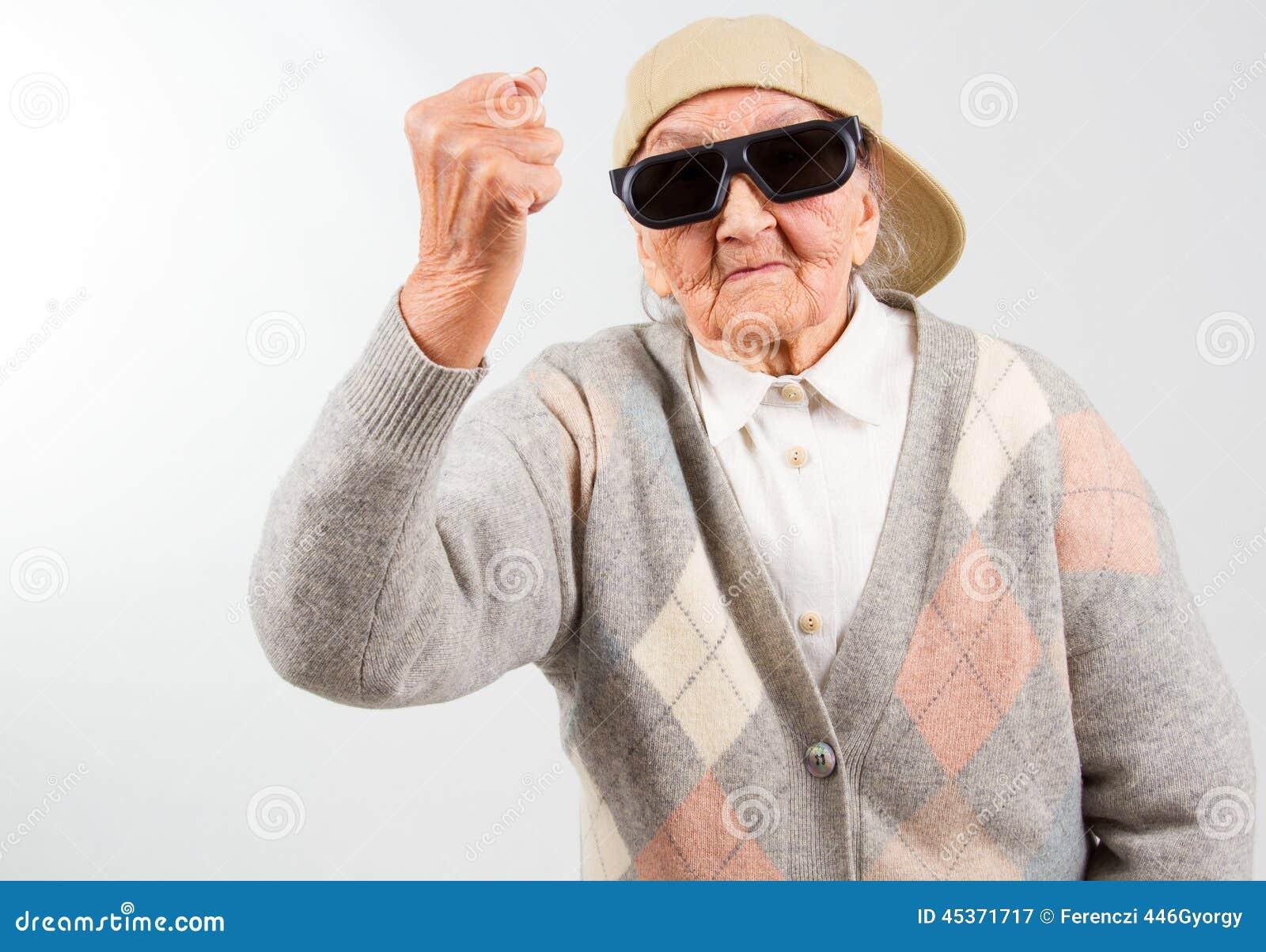 Download Lutter Frais De Grand-maman Pour Son Droit Image stock - Image du humeur, lunettes: 45371717
