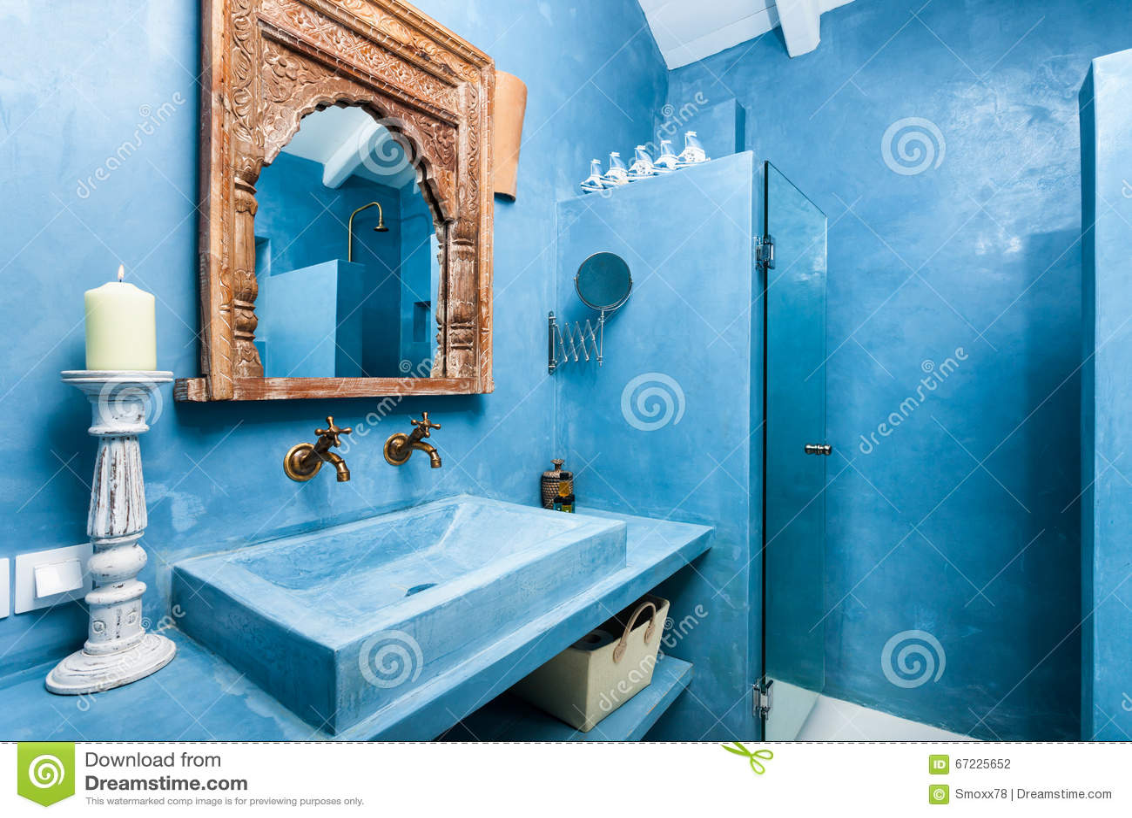 Luxebadkamers met traditionele decoratie stock foto afbeelding