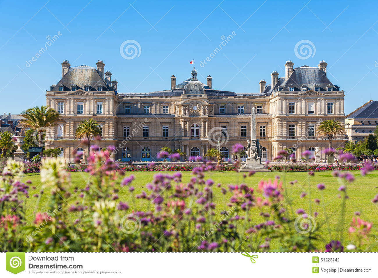 Luxembourg palace in jardin du luxembourg stock photo for Jardin du luxembourg
