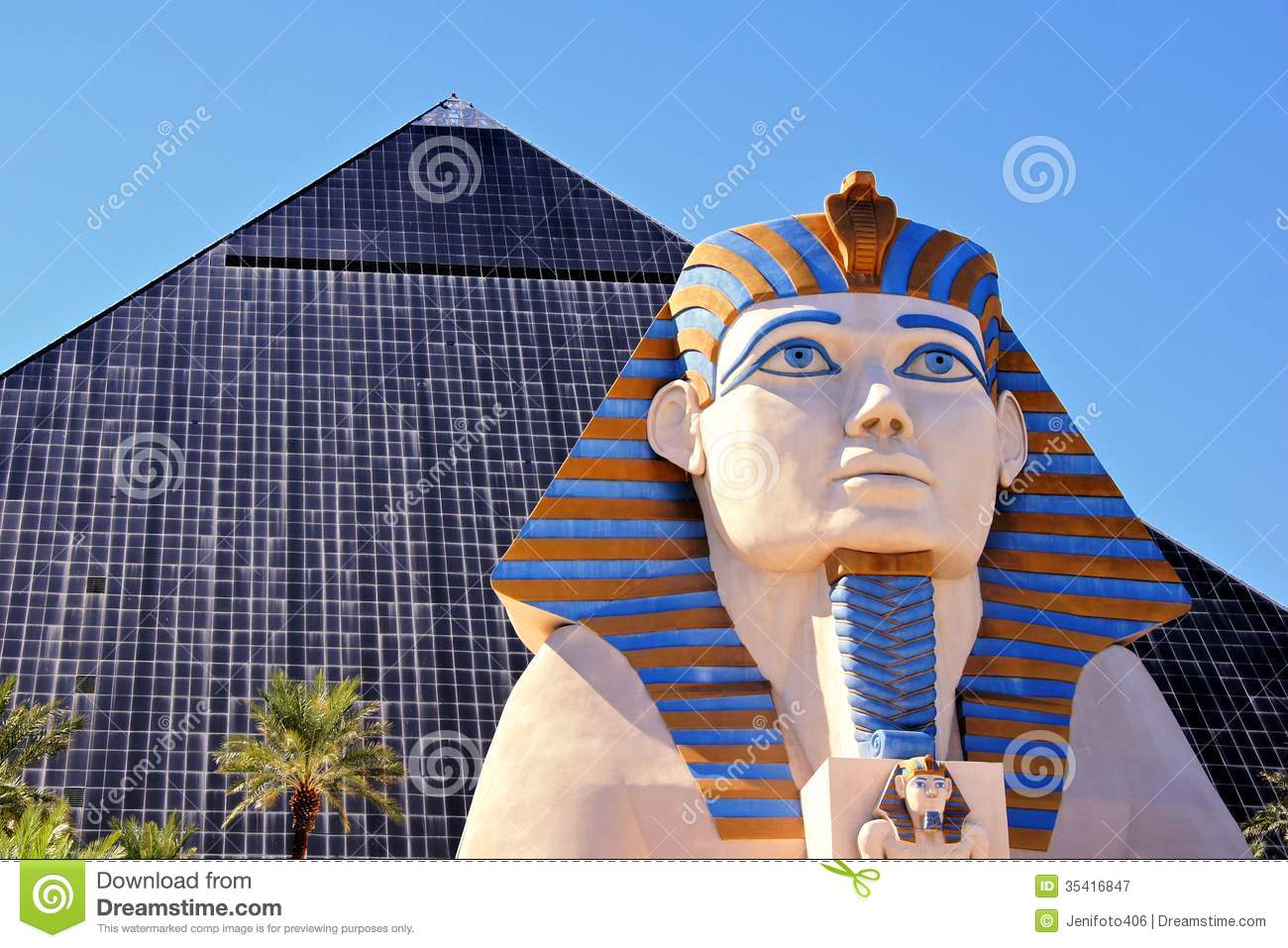 when was luxor casino built