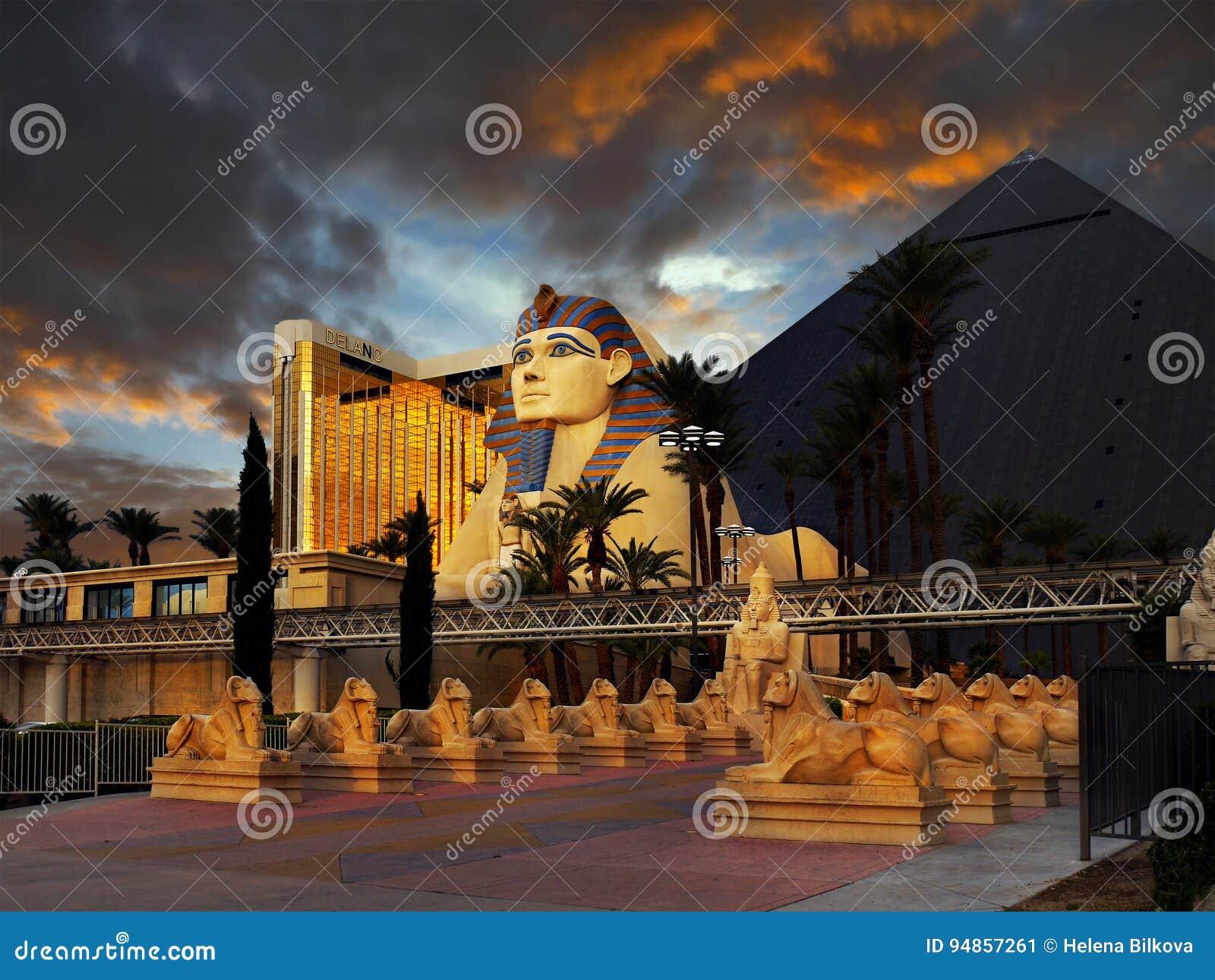 Luxor Pyramid Sphinx Hotel Las Vegas Editorial Photo Image Of