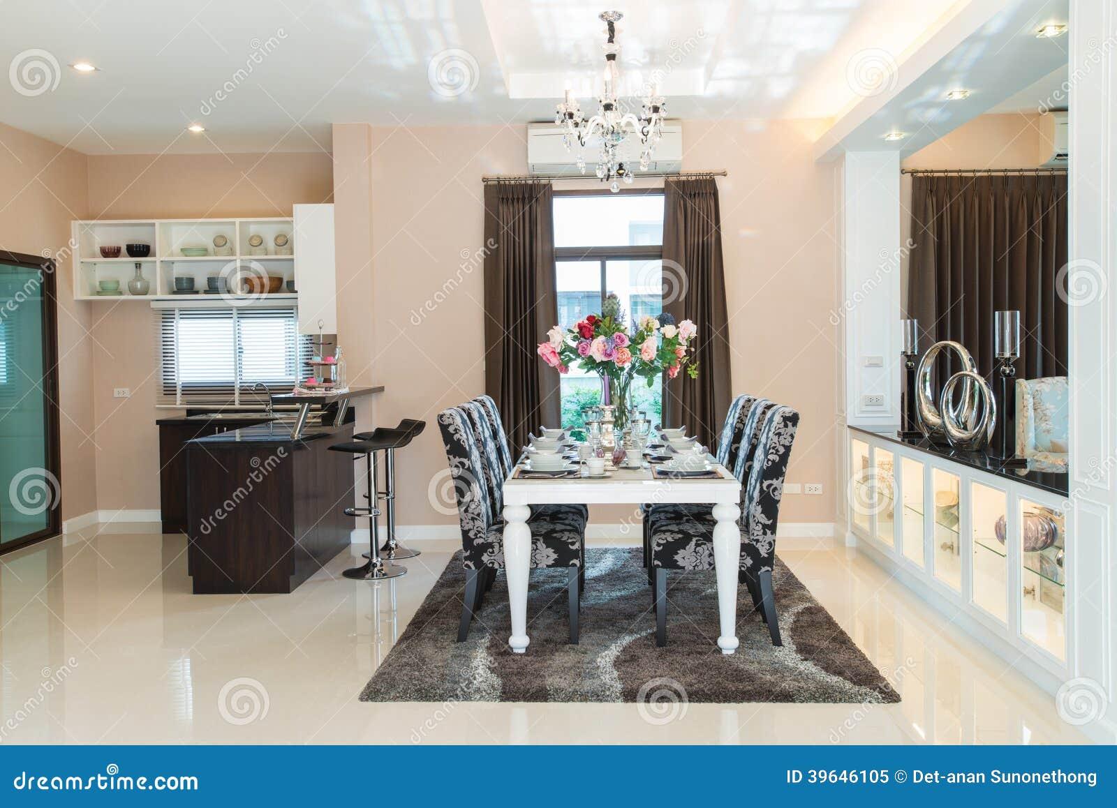 Luxueuze eetkamer stock afbeelding afbeelding bestaande uit