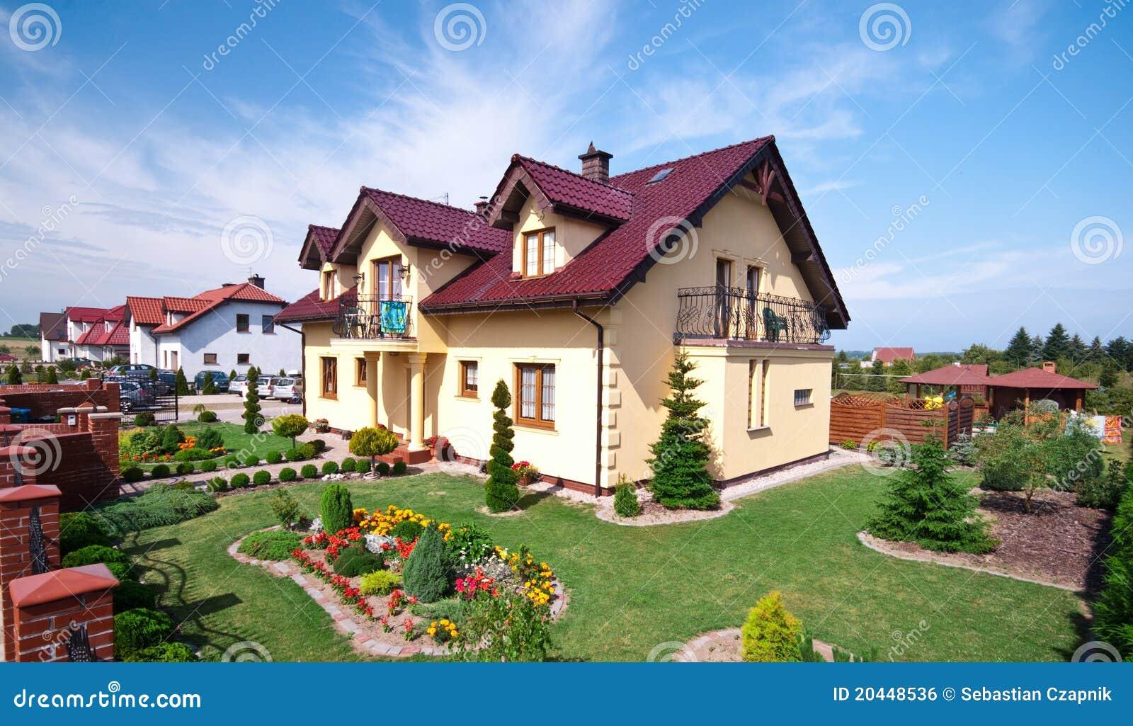 Luxuri ses haus und garten for Haus und garten