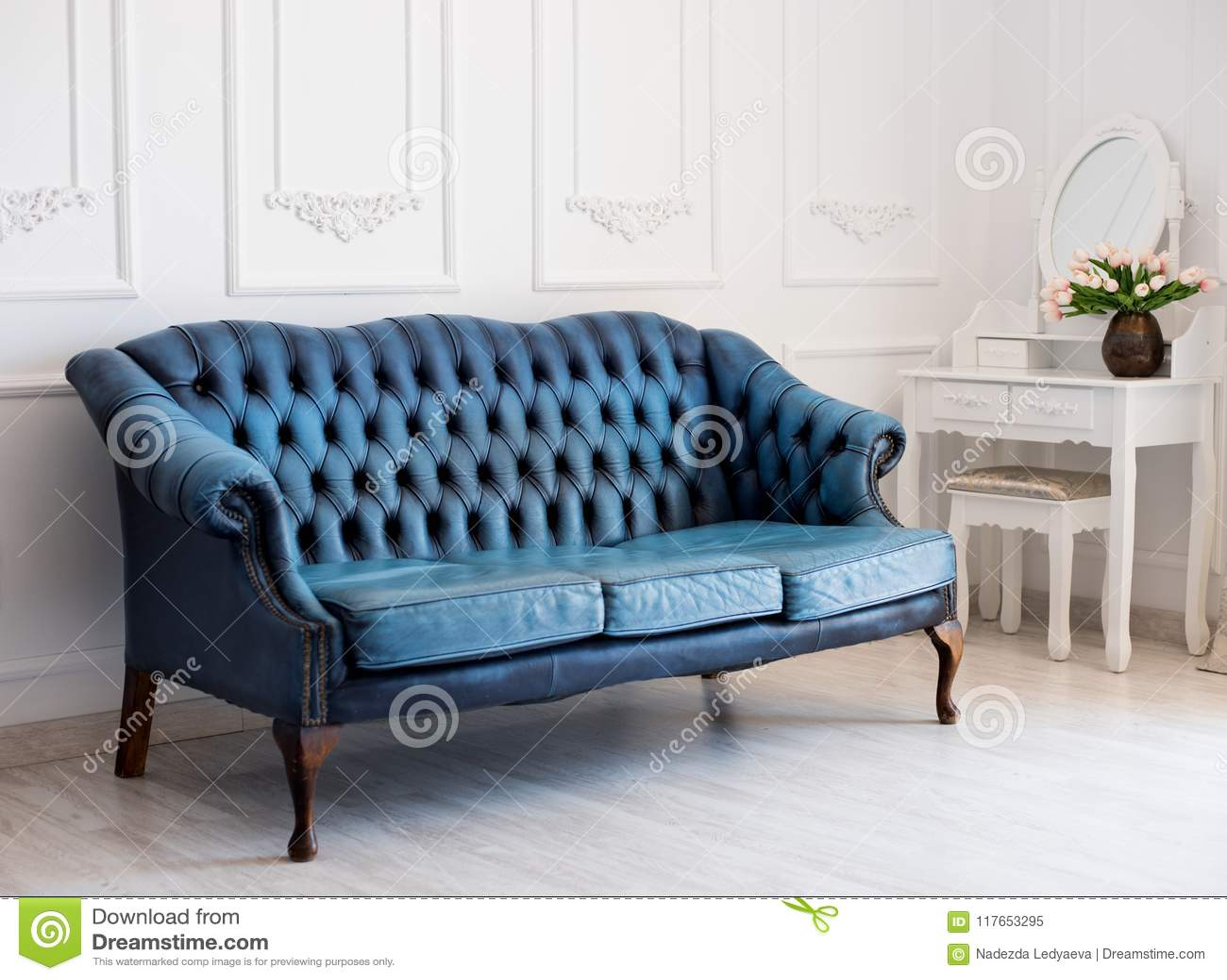 Astonishing Luxurious Leather Blue Sofa Style Vintage In The Room Stock Inzonedesignstudio Interior Chair Design Inzonedesignstudiocom