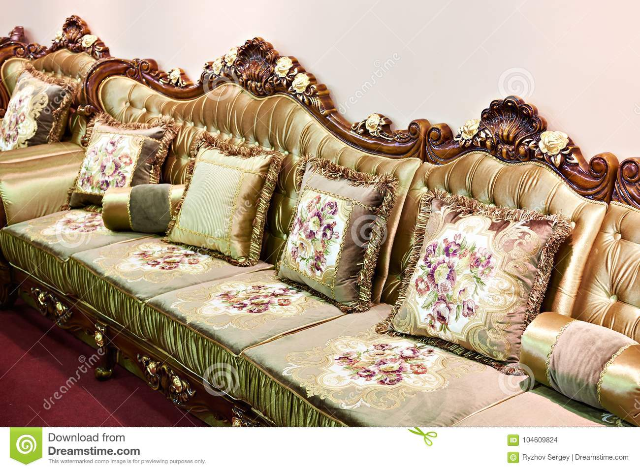 Luxurious Living Room Sofa With Flower Pattern