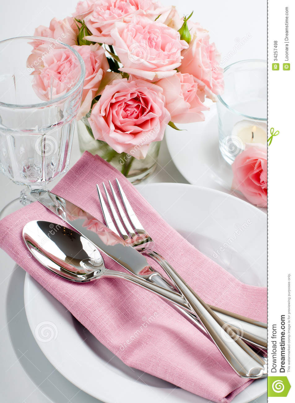 Luxurious Table Setting With Pink Roses Royalty Free Stock