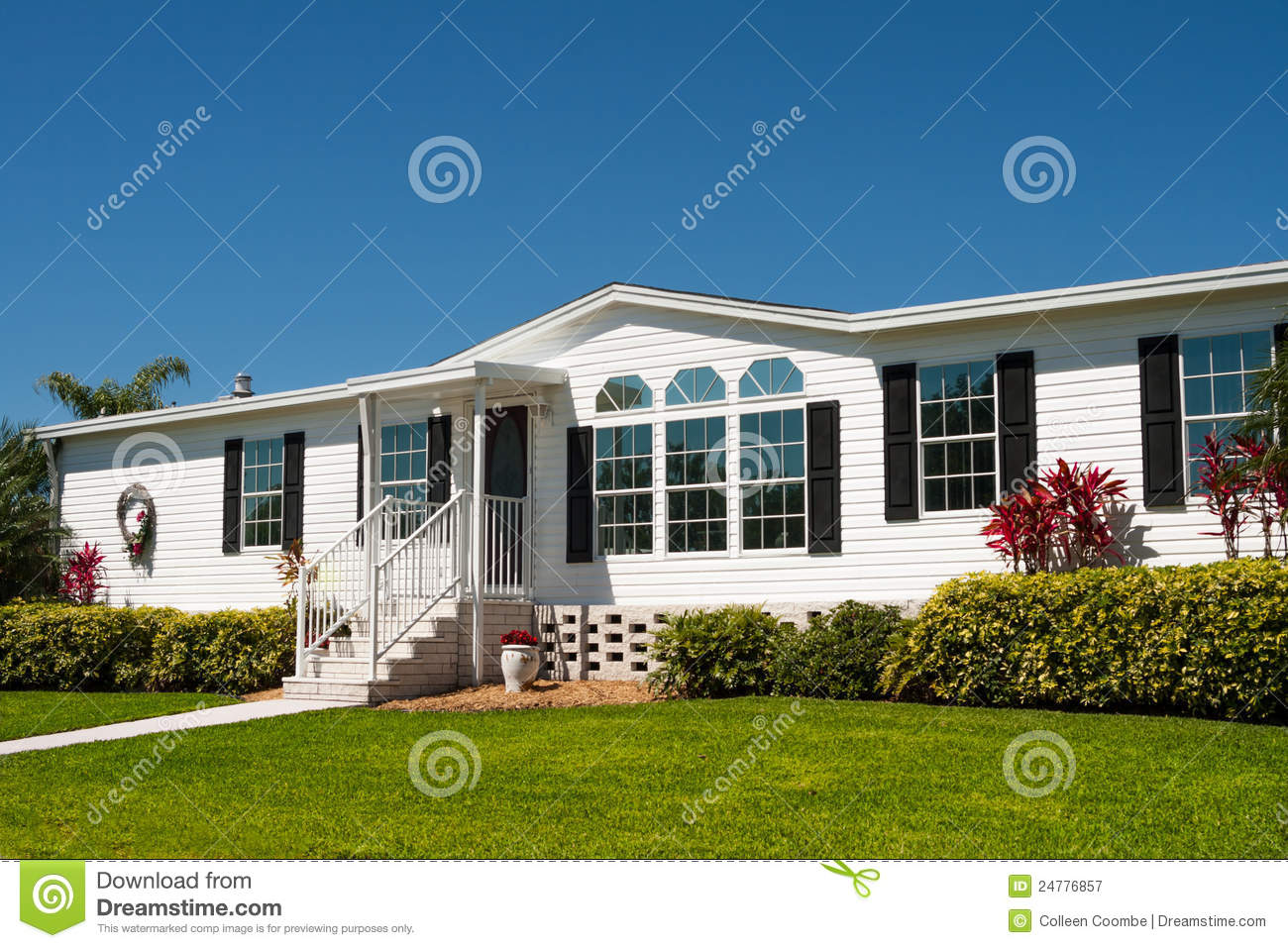 Luxurious White Mobile Home Stock Image Image 24776857