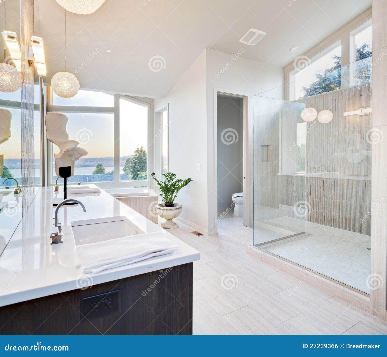 luxury bathroom royalty free stock image - image: 27239366