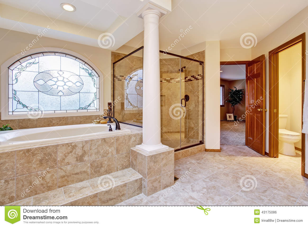 Luxury bathroom interior with columns stock photo image - Salle de bain de reve ...