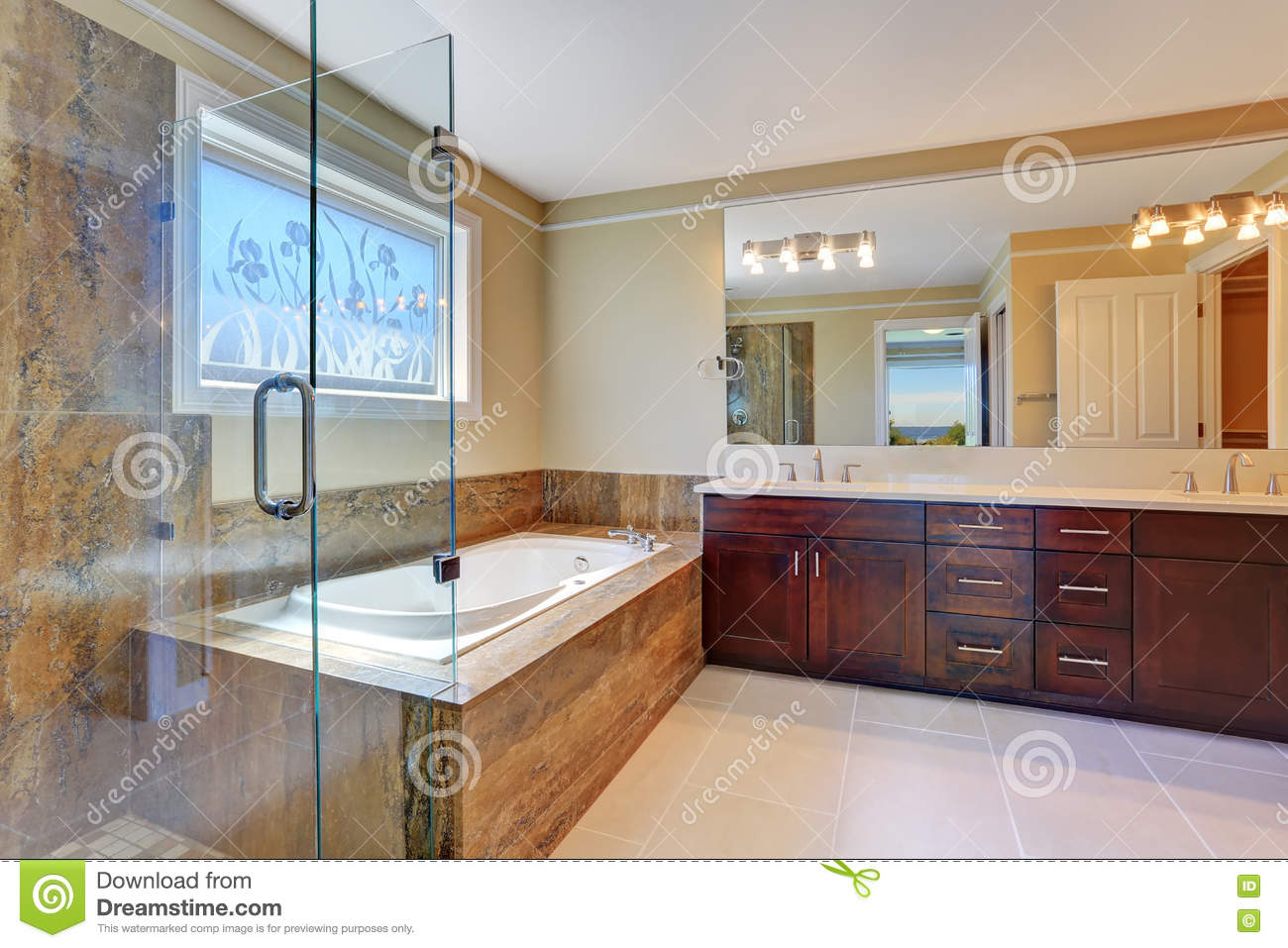 New 10 luxury bath usa inspiration of trends in luxury for Bathroom design usa