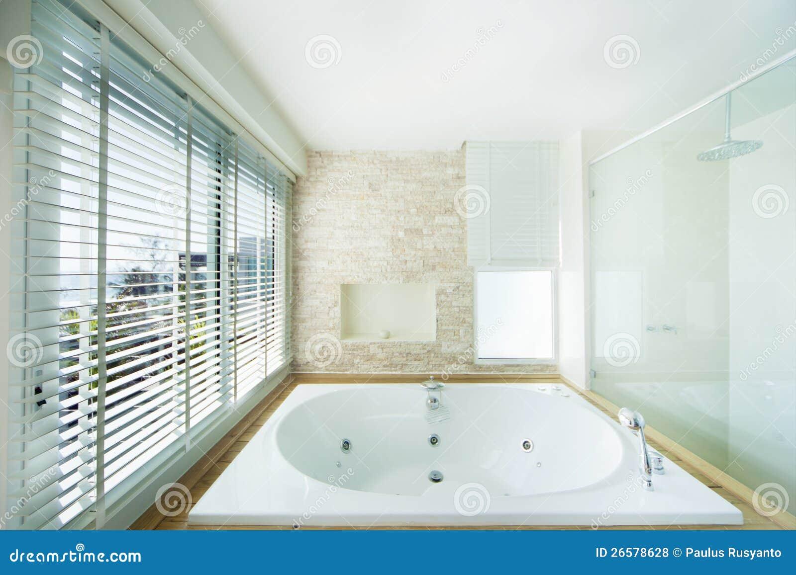 Luxury bathtub royalty free stock photos image 26578628 - Vasche da bagno di lusso ...