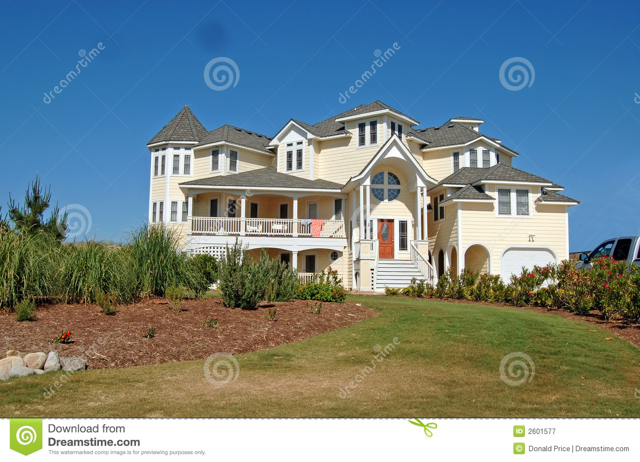 Luxury beach house stock image image of ocean for Free luxury home images
