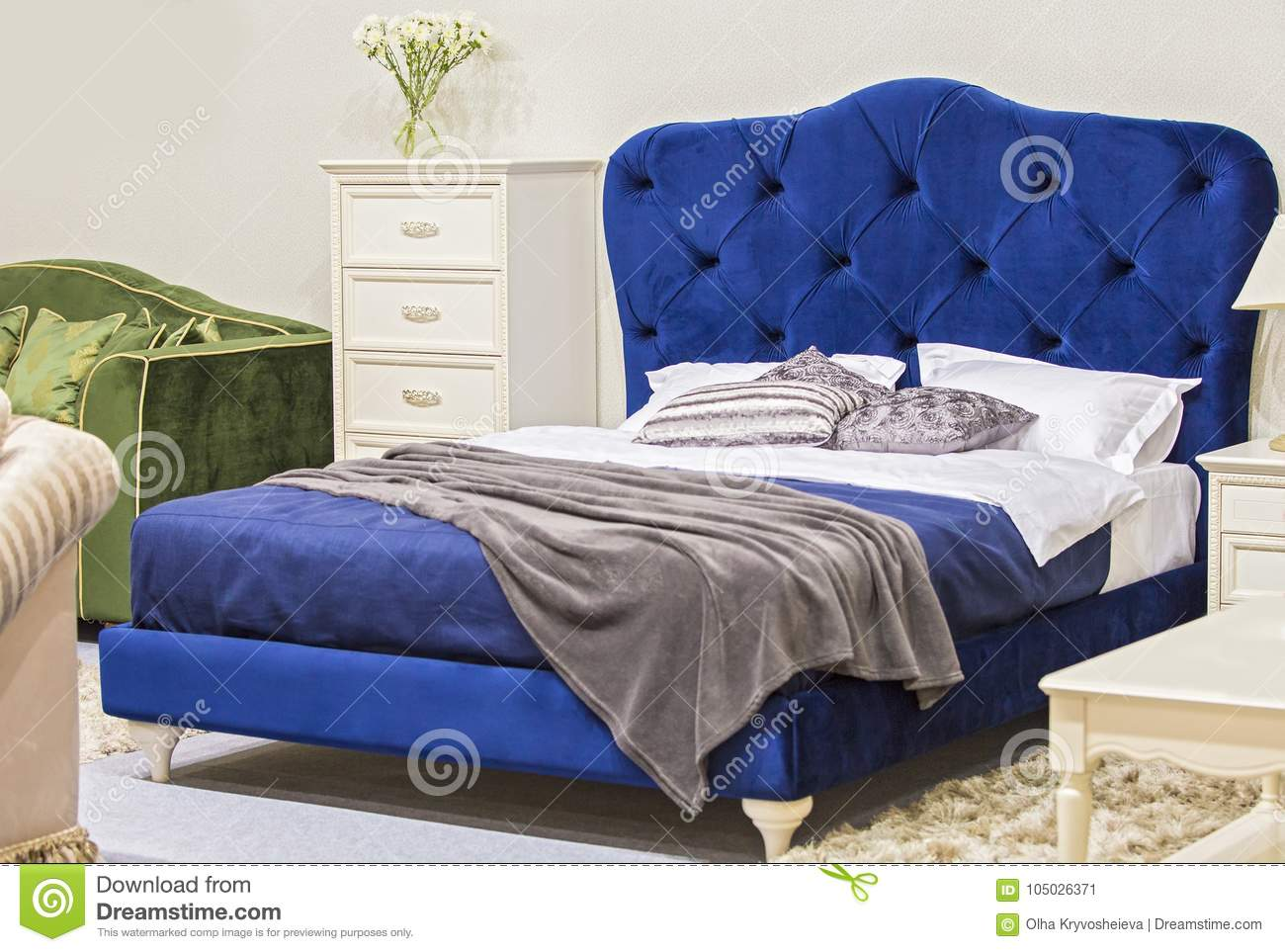 Luxury Bedroom In Antique Style With Blue Velvet Bed And White Nightstand Stock Image Image Of Elegant Bedroom 105026371