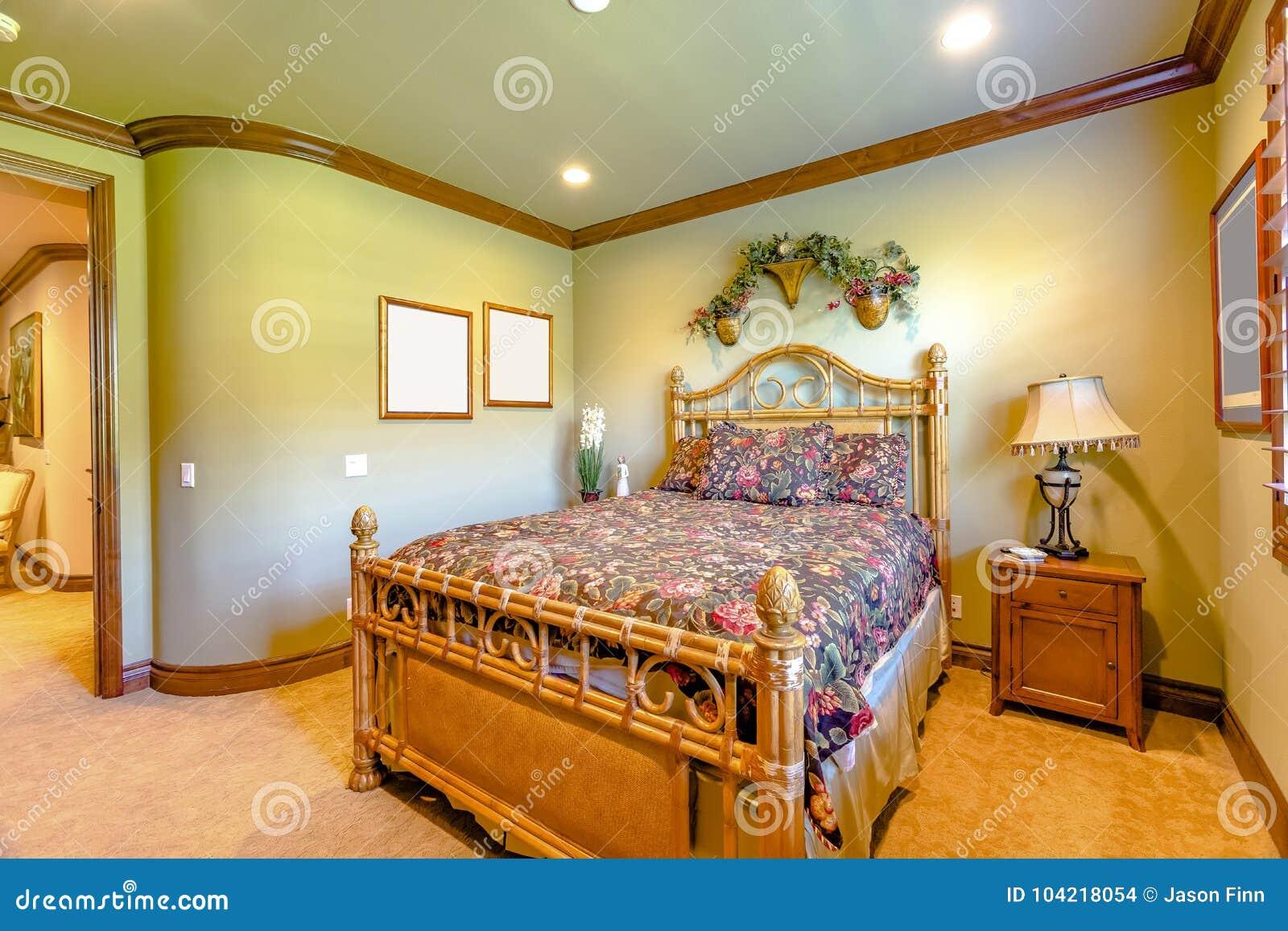 Thumbs Dreamstime Com Z Luxury Bedroom California