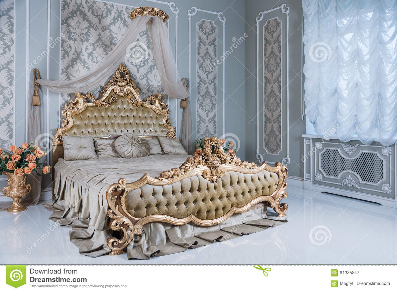 3 496 Royal Bed Photos Free Royalty Free Stock Photos From Dreamstime