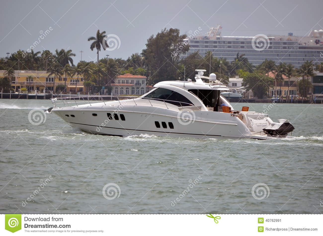 Upscale cabin cruiser and sport fishing boat on the florida ...