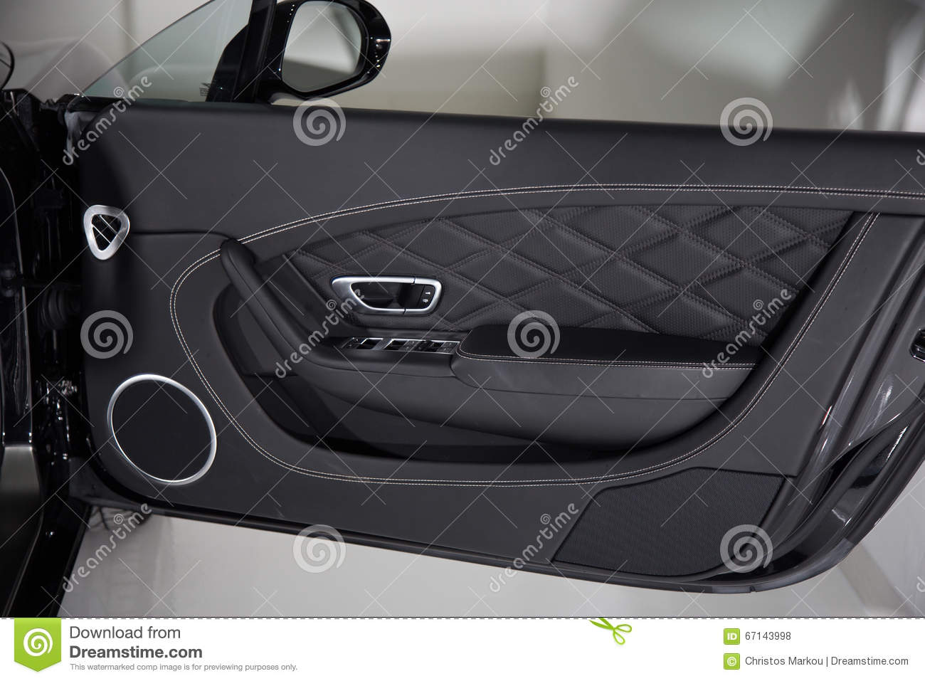luxury car door panel detail shot stock photo image of interior luxury 67143998. Black Bedroom Furniture Sets. Home Design Ideas