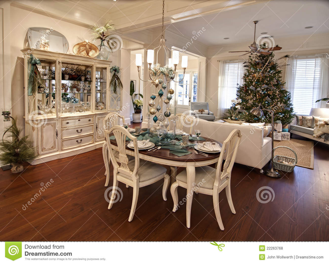 Luxury christmas apartment stock photo image of dine 22263768 for Decoration de noel luxe