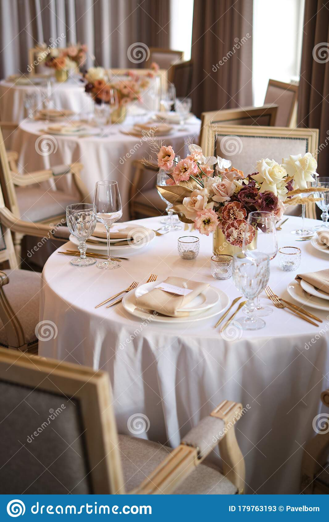 Luxury Cozy Autumn Wedding Table Decoration In The Restaurant Fresh And Dried Flowers Roses Carnations Beautiful Table Setting Stock Image Image Of Bouquet Beautiful 179763193