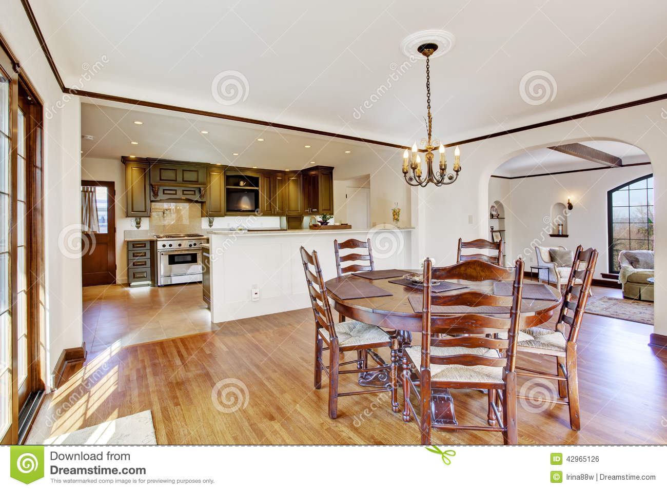 Luxury Dining Room With Round Table And Chairs Stock Photo ...