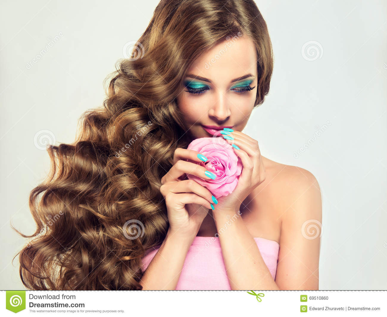 make the hair style luxury fashion style nails manicure cosmetics and make 5145 | luxury fashion style nails manicure cosmetics make up beautiful model brunette long lush curled hair pale pink rose 69510860