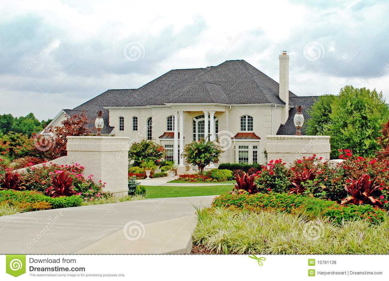 Luxury home 4 royalty free stock photos image 10761138 for Free luxury home images