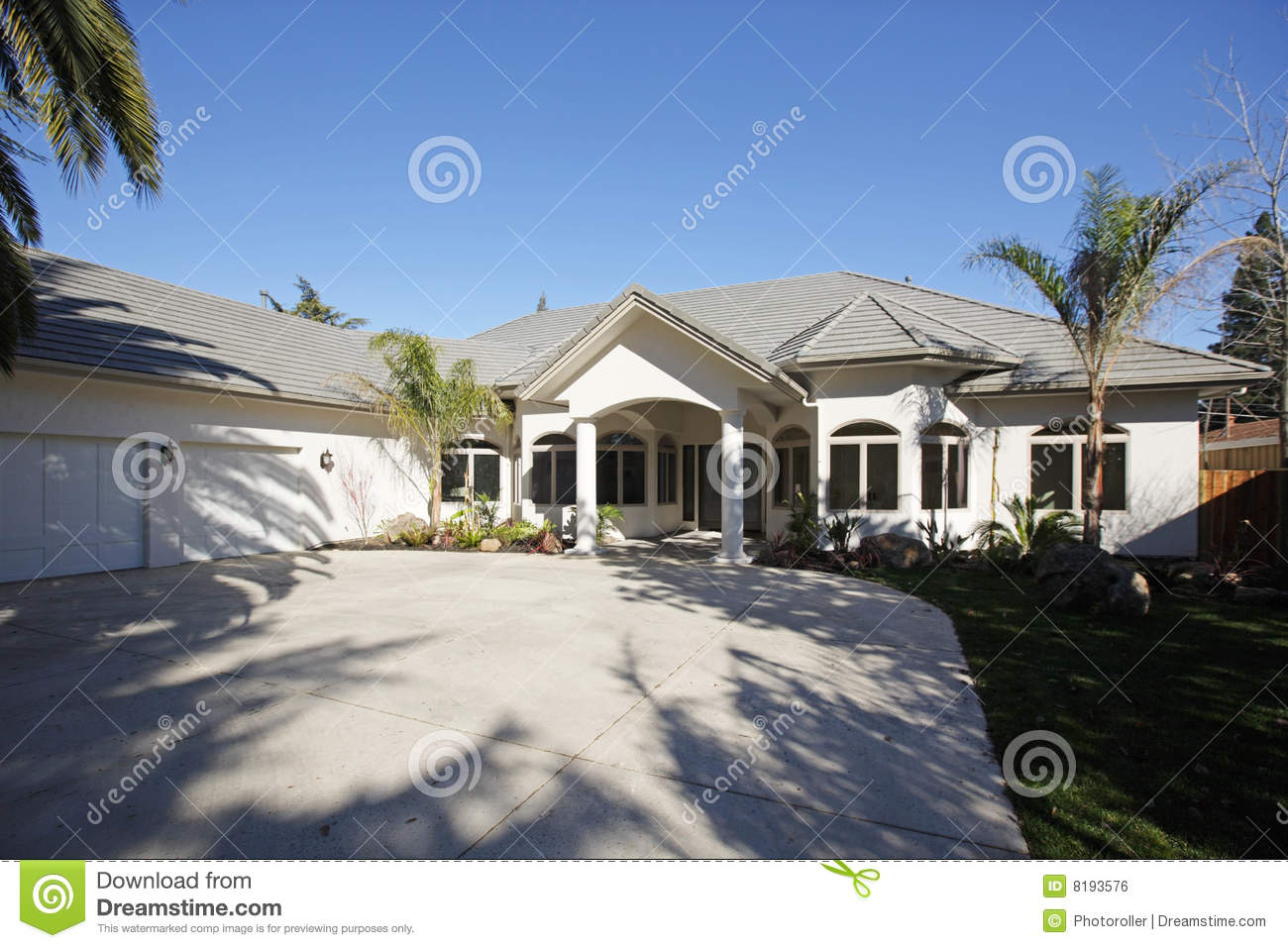Luxury home royalty free stock image image 8193576 for Free luxury home images
